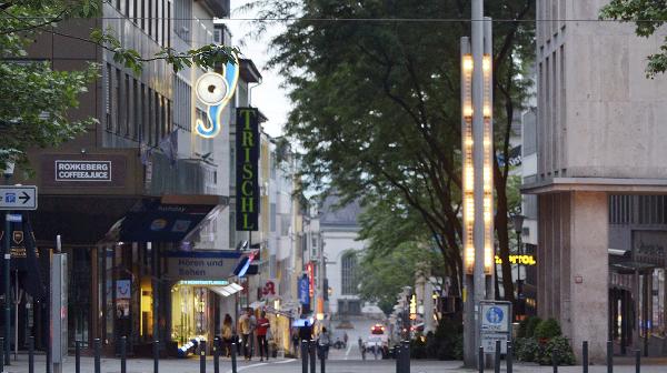 """Auto-Mobil-Ausstellung beim """"Frühlingserwachen"""" im Quartier Wilhelmsstraße"""