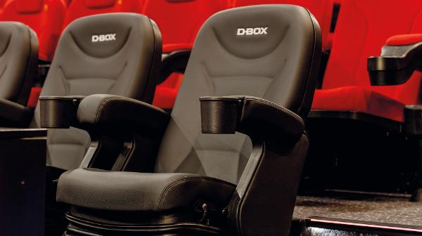 D-Box-Spezialsessel, die synchron zum Film vibrieren