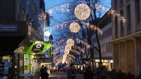 Quartier verzaubert mit neuer Weihnachtsbeleuchtung